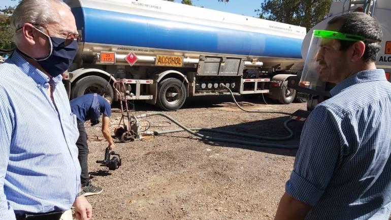 DE TUCUMÁN A CORRIENTES: Empresario tucumano donó 10 mil litros de alcohol a la provincia